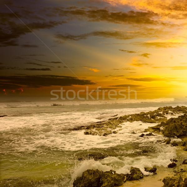 Fantastyczny wygaśnięcia ocean niebo wody chmury Zdjęcia stock © serg64