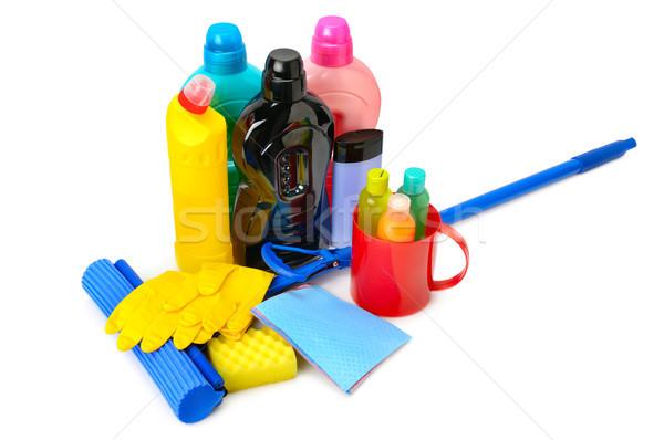 Flessen wasmiddel rubberen handschoenen geïsoleerd witte achtergrond Stockfoto © serg64