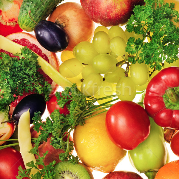 Friss gyümölcsök zöldségek fehér háttér zöld Stock fotó © serg64