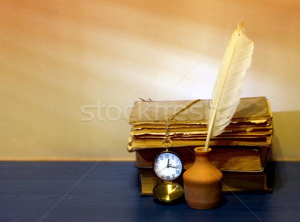 Natureza morta escritor livros caneta relógio vintage Foto stock © sharpner