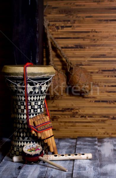Tambor dos flautas bambú madera fondo Foto stock © sharpner