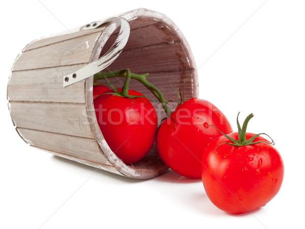 Pomodori fresche legno basket isolato Foto d'archivio © ShawnHempel