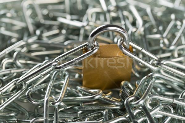 заблокированный замок цепями огромный цепь куча Сток-фото © ShawnHempel