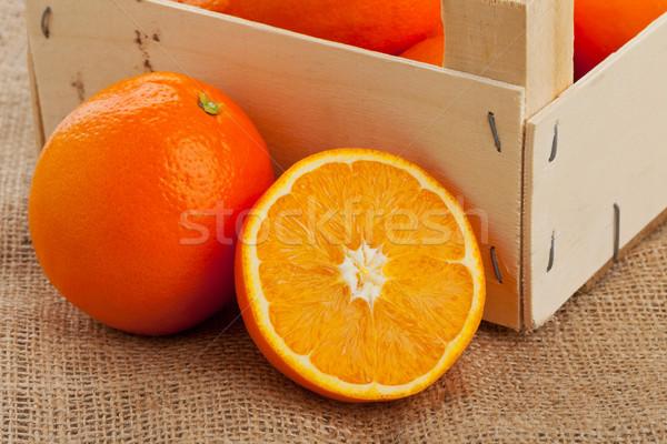 Narancsok láda egész vág organikus fából készült Stock fotó © ShawnHempel