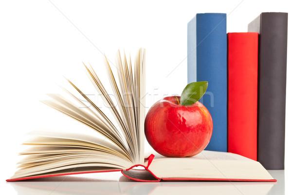 Könyvek alma nyitott könyv csetepaté oktatás táplálkozás Stock fotó © ShawnHempel