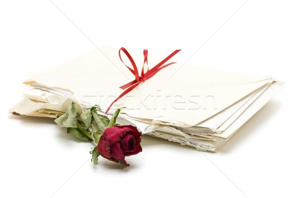 Sevmek harfler bağbozumu kırmızı gül beyaz çiçek Stok fotoğraf © ShawnHempel
