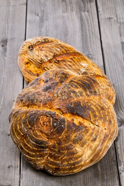 Strony chleba drewniany stół domowej roboty inny drewna Zdjęcia stock © ShawnHempel