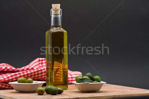 Oliwy butelki oliwek biały świetle owoców Zdjęcia stock © ShawnHempel