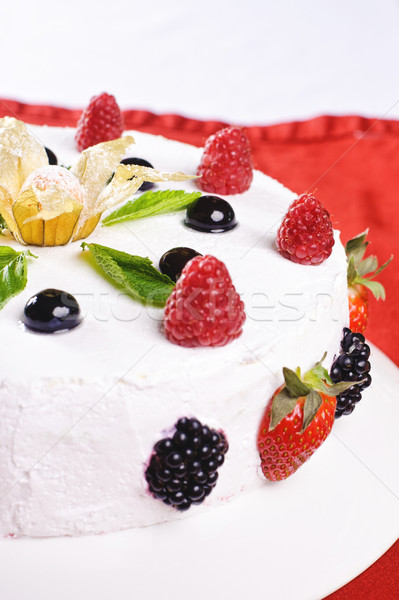 Peça bolo prato frutas festa Foto stock © shivanetua