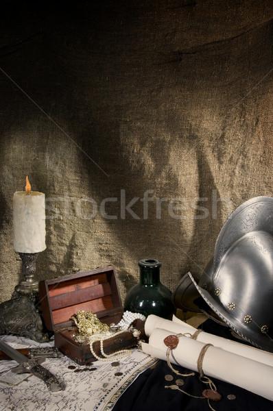 Storico ricostruzione medievale mappa casco gioielli Foto d'archivio © sibrikov