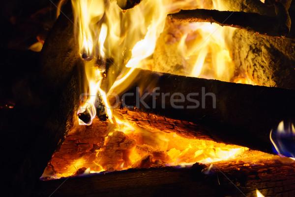 Sıcak şenlik ateşi kırmızı kömür yanan turuncu Stok fotoğraf © silkenphotography