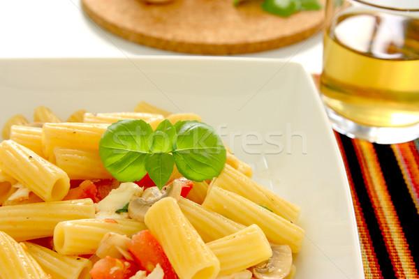 Italiano pasta tomates mozzarella setas hoja Foto stock © simas2