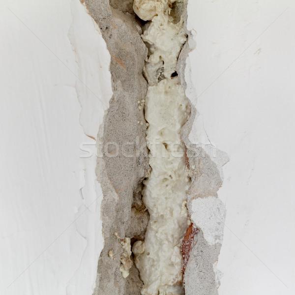 Buraco velho parede rachado fixo Foto stock © simazoran