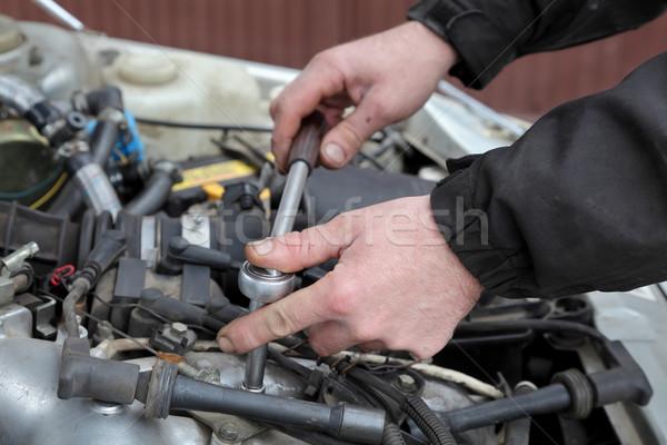 Automobilowy nowoczesne samochodu benzyny silnika pracowników Zdjęcia stock © simazoran