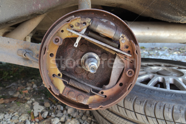Samochodu starych drum usługi koła Zdjęcia stock © simazoran