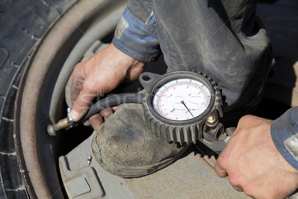 Tire servicing Stock photo © simazoran