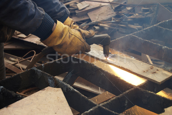 Plasma Schneiden Metall Recycling Ausrüstung Hand Stock foto © simazoran