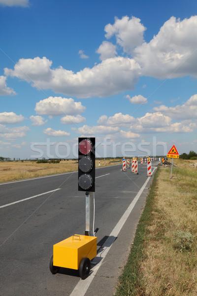 Snelweg weg wederopbouw stoplicht verkeersborden blauwe hemel Stockfoto © simazoran