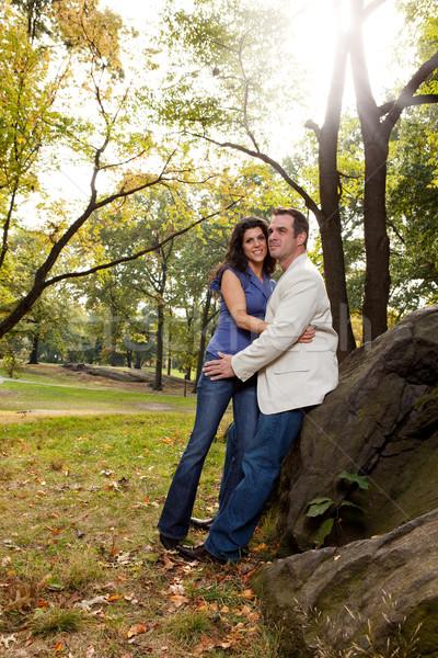 Boldog park pár megnyugtató lány szeretet Stock fotó © SimpleFoto