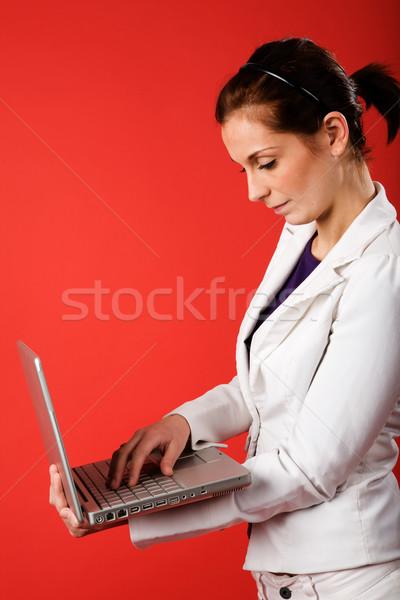 無線通信 小さな ビジネス女性 学生 ラップトップを使用して 強い ストックフォト © SimpleFoto