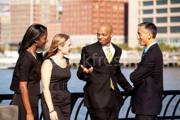 бизнес-команды за пределами обсуждение бизнеса женщину Сток-фото © SimpleFoto
