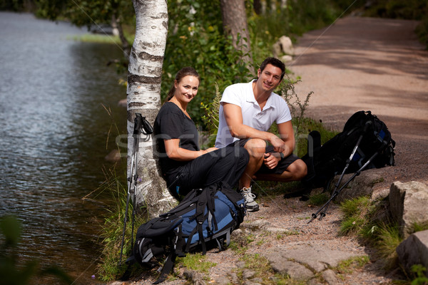 Foto stock: Camping · casal · quebrar · caminhadas · trio