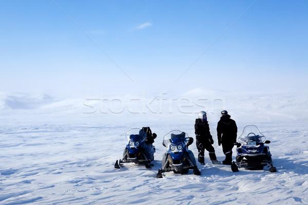 Expedíció terméketlen tél tájkép csoportkép nő Stock fotó © SimpleFoto