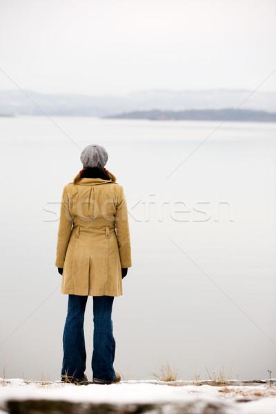 海 若い女性 立って 冬 女性 ストックフォト © SimpleFoto