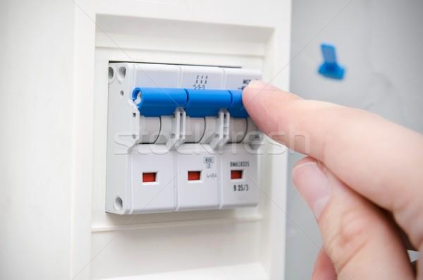 Man automatisch elektrische uitrusting vinger Stockfoto © simpson33