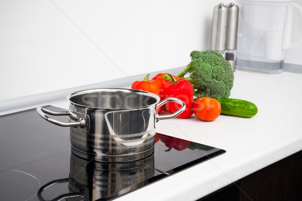 Olla hortalizas moderna cocina estufa diseno Foto stock © simpson33