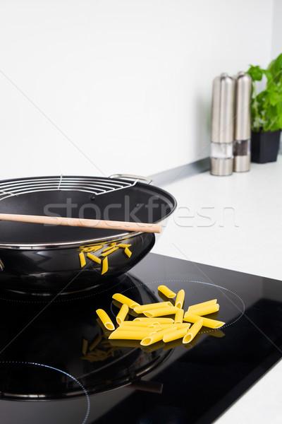 Sartén pasta moderna cocina estufa diseno Foto stock © simpson33
