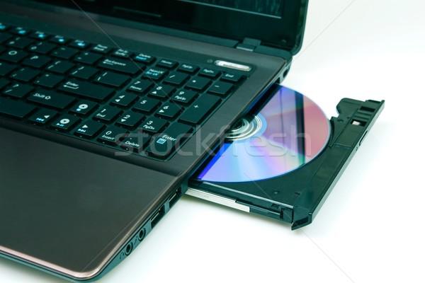 Foto d'archivio: Laptop · open · cd · ufficio · musica · tastiera