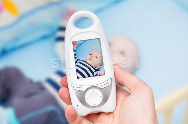 Vídeo bebé supervisar seguridad mano Foto stock © simpson33