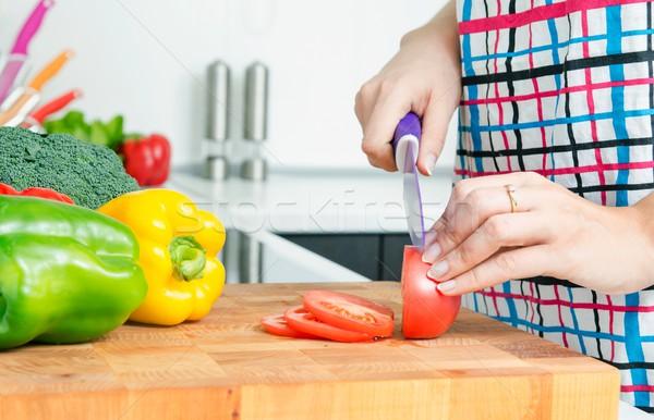 Donna chef peperoni la preparazione dei cibi moderno Foto d'archivio © simpson33