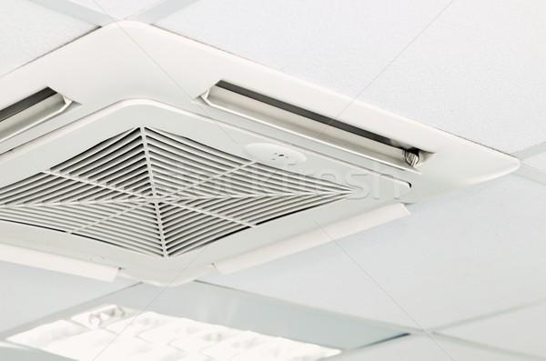 Légkondicionálás plafon modern otthon építészet új Stock fotó © simpson33