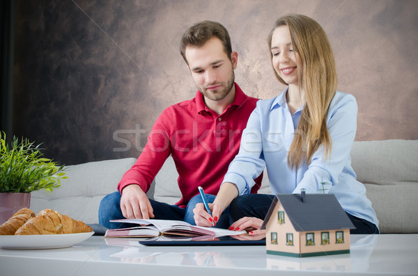 Budget planning eigen home paar Stockfoto © simpson33
