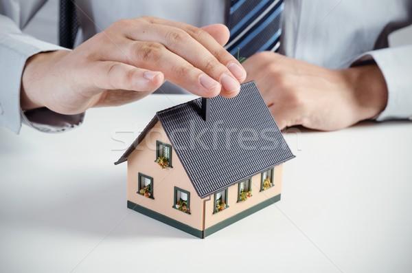 住宅保険 男 家 ミニチュア ビジネスマン 家族 ストックフォト © simpson33