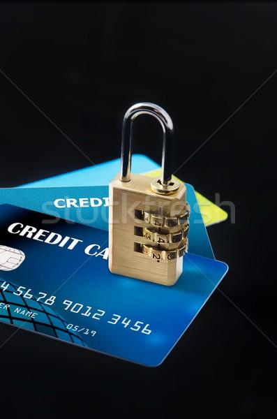 Güvenlik kilitlemek çoklu kredi kartları para Stok fotoğraf © simpson33