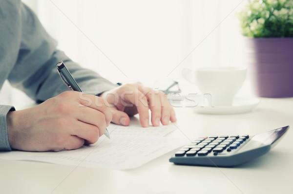 会計士 税 作業 オフィス 電卓 ビジネス ストックフォト © simpson33