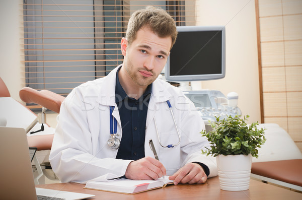 Arzt Frauenarzt arbeiten Büro Ultraschall Büroarbeit Stock foto © simpson33