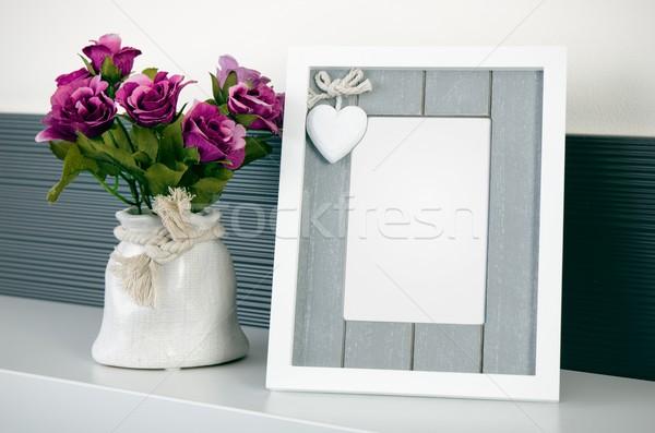 Fényképkeret polc virágok ház dekoráció iroda Stock fotó © simpson33