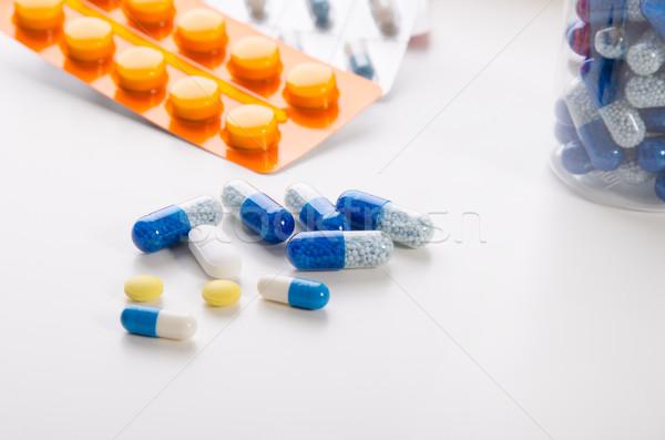 異なる 薬 白 錠剤 薬 ブリスター ストックフォト © simpson33