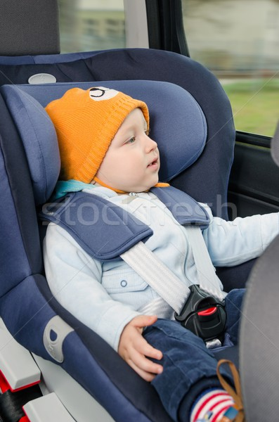 Stockfoto: Cute · jongen · vergadering · auto · zitting · baby