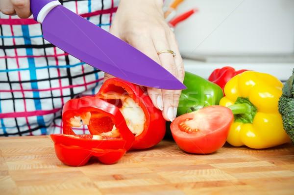 Cocinar corte pimientos rebanadas manos Foto stock © simpson33