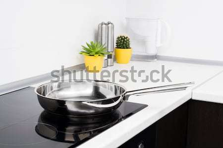 Sartén moderna cocina estufa trabajo diseno Foto stock © simpson33