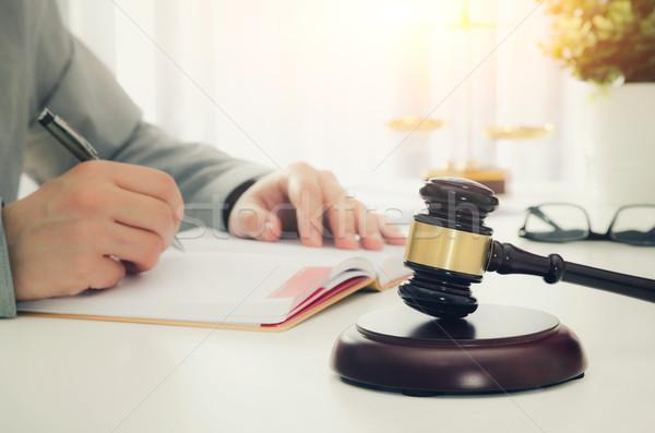 Houten hamer werken advocaat recht justitie Stockfoto © simpson33