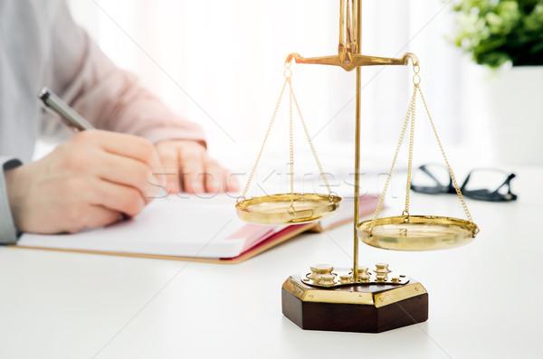 Advogado trabalhando escritório lei advogado balança Foto stock © simpson33