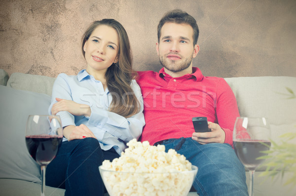 Couple temps libre regarder tv loisirs maison Photo stock © simpson33