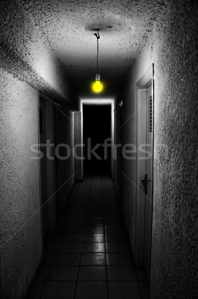 żółty świetle ciemne podziemnych korytarz Zdjęcia stock © sirylok