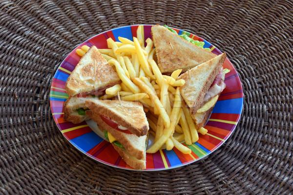 Klub szendvics gyorsételek sültkrumpli vacsora sajt paradicsom Stock fotó © sirylok